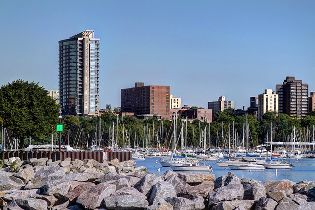 Veterans Park / McKinley Marina