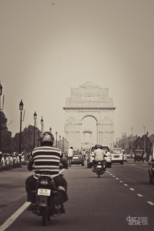 Road to India Gate