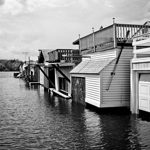 lake newyork boathouse canandaigua citypier