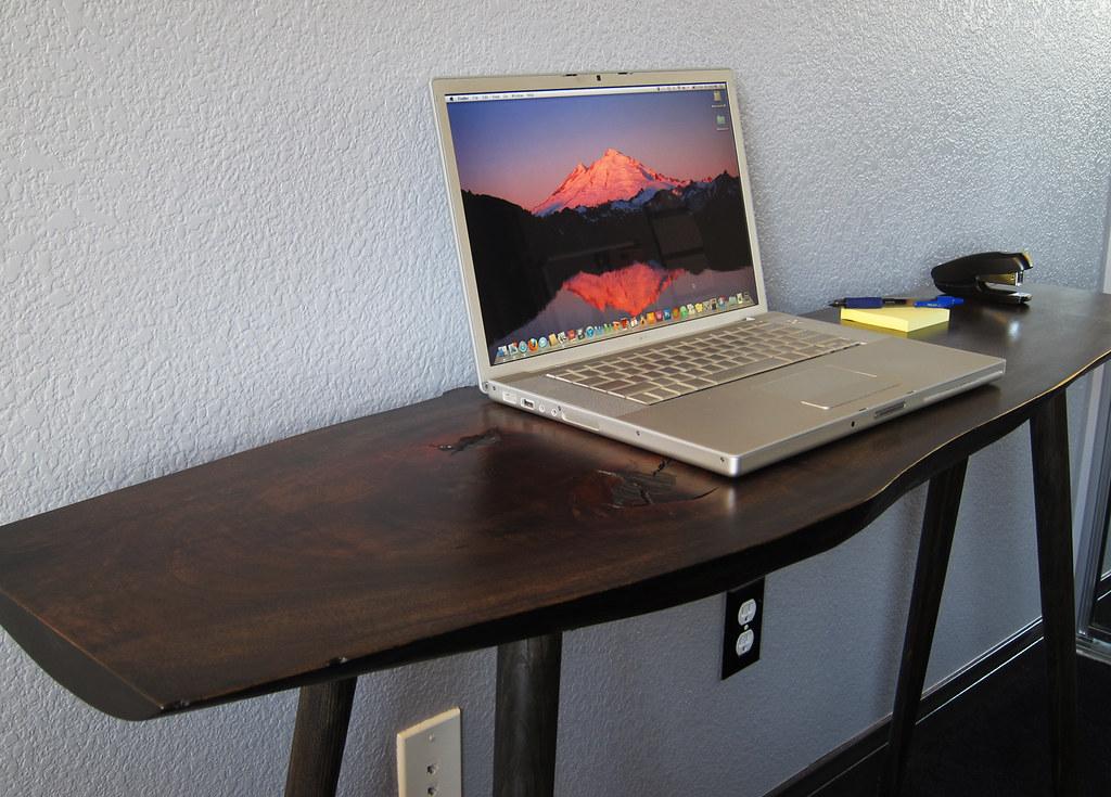 minimalist computer desk - modern laptop desk - a photo on flickriver