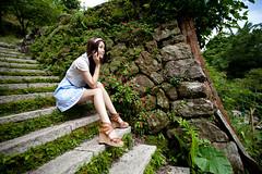 [フリー画像素材] 人物, 女性 - アジア, 台湾人, 女性 - 座る, 頬杖 ID:201212031400
