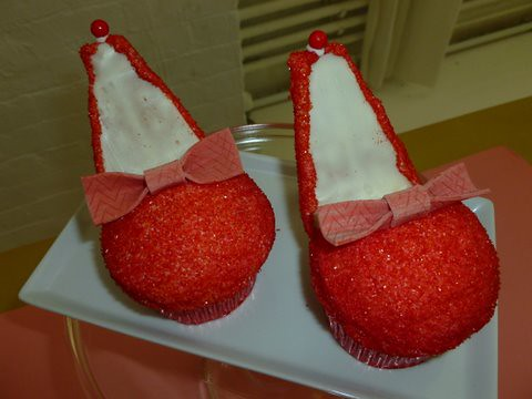 red high heel cupcakes
