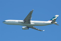 Cathay Pacific Airbus A330-300; B-LAG@HKG;31.07.2011/614sy