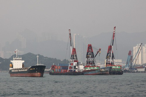 Mid-stream cargo handling in Hong Kong