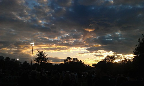 sunset cellphone thunderbolt htc