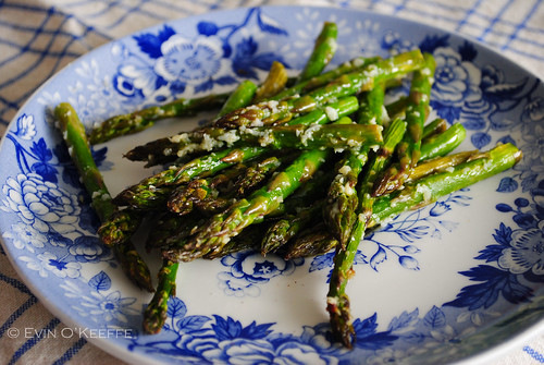 Grilled Asparagus Coated in Garlic and Olive Oil