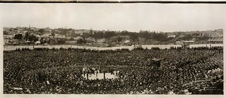 Burns-Johnson boxing contest, December 26th 1908 / photographed by Charles Kerry