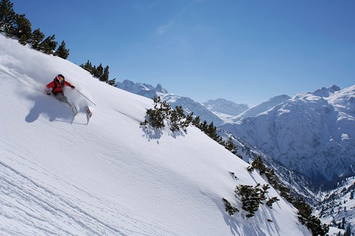 Off-piste skiing in St. Anton