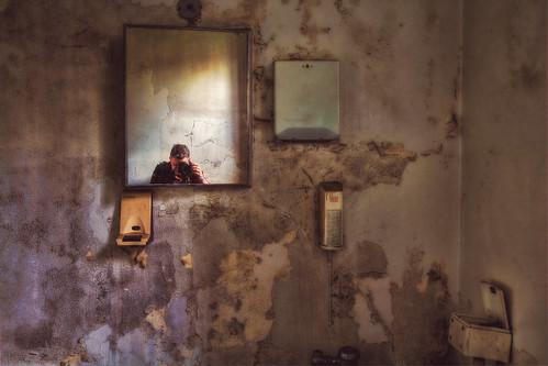 camera light portrait selfportrait window canon bathroom mirror decay grunge hdr westonstatehospital 60d transalleghenylunaticasylum