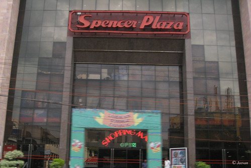 Spencer Plaza - The oldest mall in India