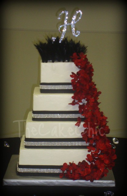 Feathers and Bling Wedding Cake Vanilla Vanilla Chocolate Oreo