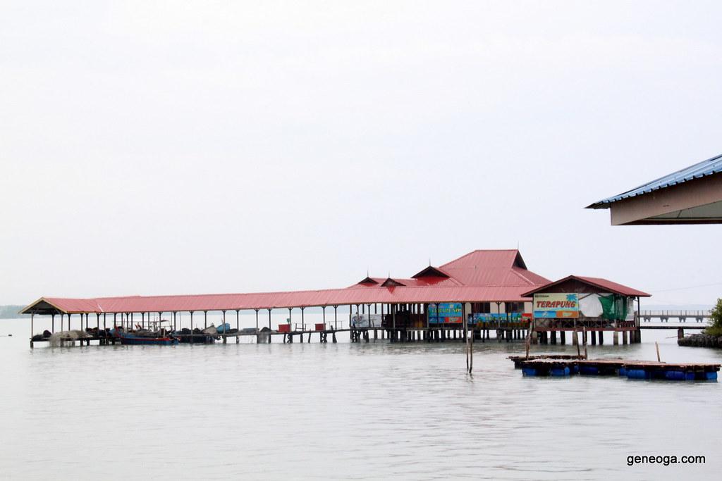 Restoran Terapung, Pulau Aman