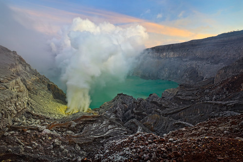 travel lake sunrise indonesia landscape volcano smoke sulfur eastjava ijen