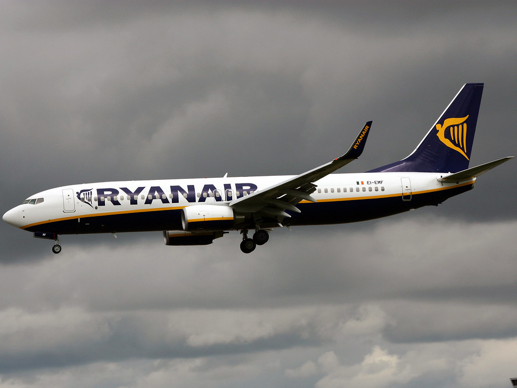 EI-EMF - B738 - Ryanair