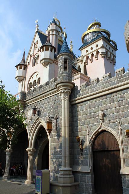 Wandering around Castle Courtyard
