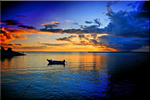 "sunset sea water beauty japan boat mr 日本 sensational okinawa 沖縄 海 船 日の入り ニッポン photographyrocks excapture thebestofday gününeniyisi ""flickraward"" flickrunitedaward today´sbest 北前 ""flickrtravelaward"""