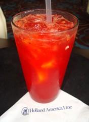 草莓柠檬水鸡尾酒