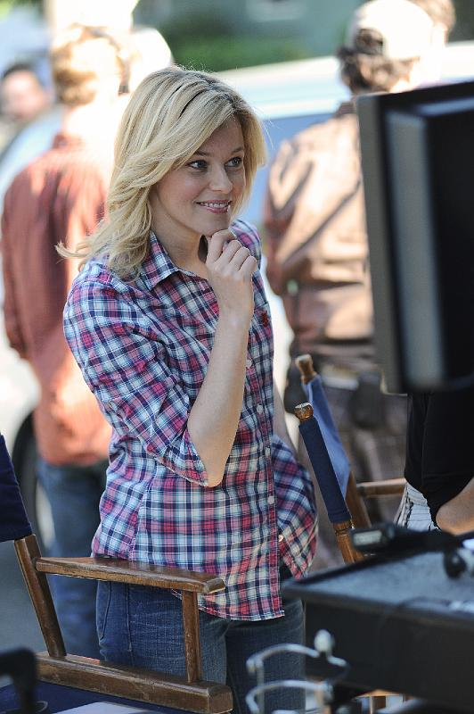 Elizabeth Banks directing 'Just a Little Heart Attack'