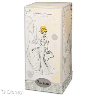D23 Exclusive: 25th Anniversary Silver Cinderella Doll Box