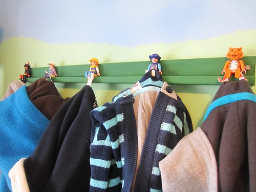 kitschy coo tutorial a hook hack with playmobil little people. Black Bedroom Furniture Sets. Home Design Ideas