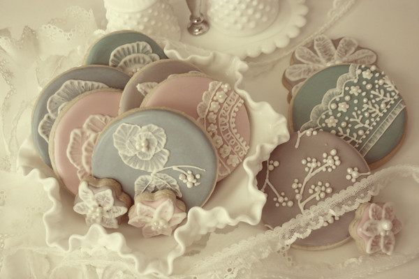 Vintage Inspired Cookies – Bee In Our Bonnet