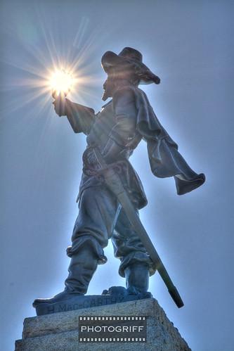 Statue-0542_3_4SM