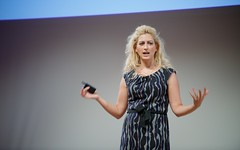Game on! Jane McGonigal swings by Portland to talk about gaming and education