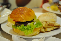 sandwich, meal, breakfast, junk food, brunch, hamburger, slider, veggie burger, food, dish, breakfast sandwich, fast food,