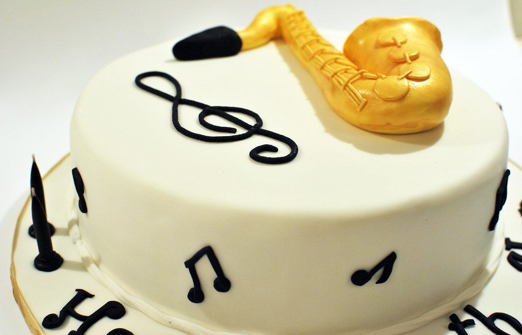 21 Elaborately Decorated Cakes For Music Lovers The