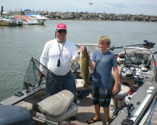 Sam i am charters bass and walleye gallery for Fishing charters buffalo ny