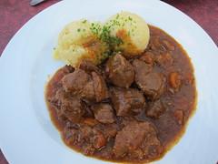 produce(0.0), pot roast(0.0), meatball(0.0), gravy(1.0), meal(1.0), stew(1.0), curry(1.0), meat(1.0), food(1.0), korma(1.0), dish(1.0), cuisine(1.0), goulash(1.0),