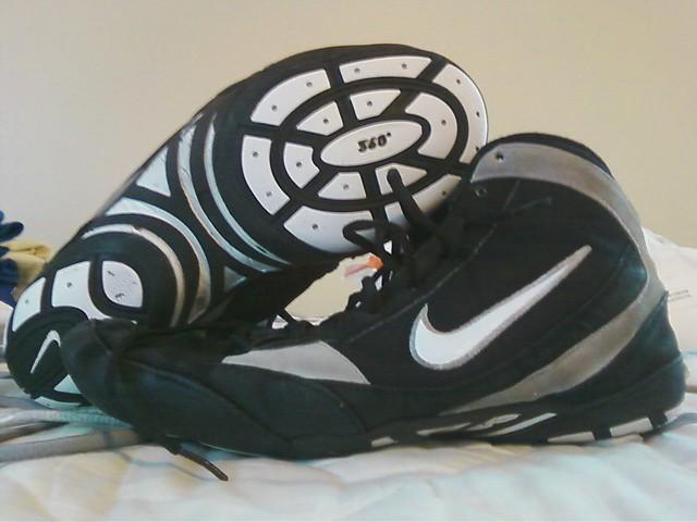 nike freek wrestling shoes
