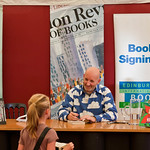 Nick Sharratt signing books |