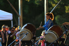 viking(0.0), middle ages(0.0), drums(0.0), drummer(1.0), musician(1.0), people(1.0), music(1.0), drum(1.0), performance(1.0), skin-head percussion instrument(1.0),