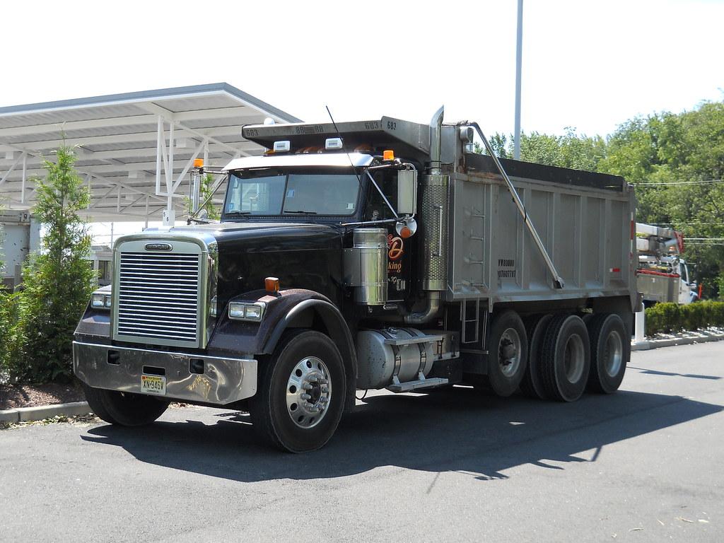 Tri Axle Show Trucks : Freightliner fld tri axle dump truck a photo on flickriver