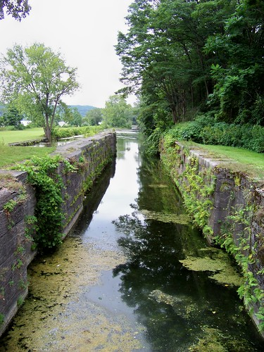 abandoned canal lock eriecanal montgomerycountyny amasterdamny