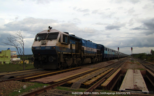 train railway indianrailways emd gmemd loomotive wdp4