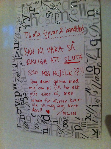 Note on fridge in dorm-kitchen