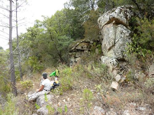 Sentier de Cuperchjata Nord depuis la piste de l'Osu : sur le replat rocheux du déjeuner
