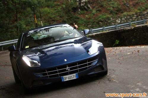 Essai Ferrari FF 22