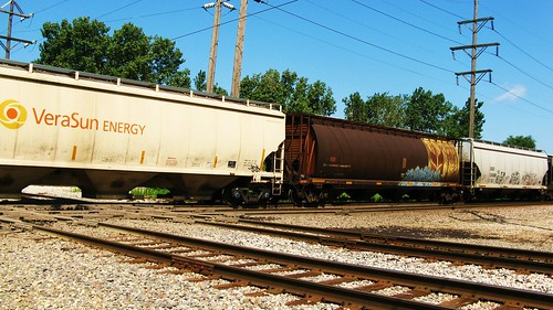 Southbound Canadian Pacific freight train passing through Hawthorne Junction. Chicago / Cicero Illinois USA. August 2011. by Eddie from Chicago