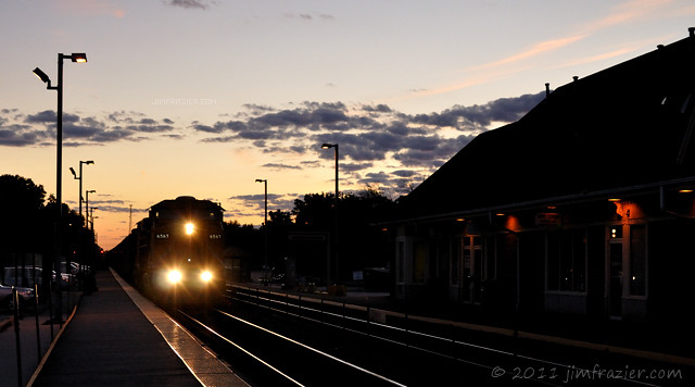 Union Pacific 6567 on an Eastbound Evening Cruise