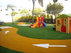 Instalación de Césped Artificial LivingGrass® realizada en Escuela de Educación Infantil situada en el Parque Tecnologico de Valencia