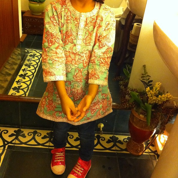 Lily wears her Anokhi kurta from India (with jeans & sparkly sneakers)