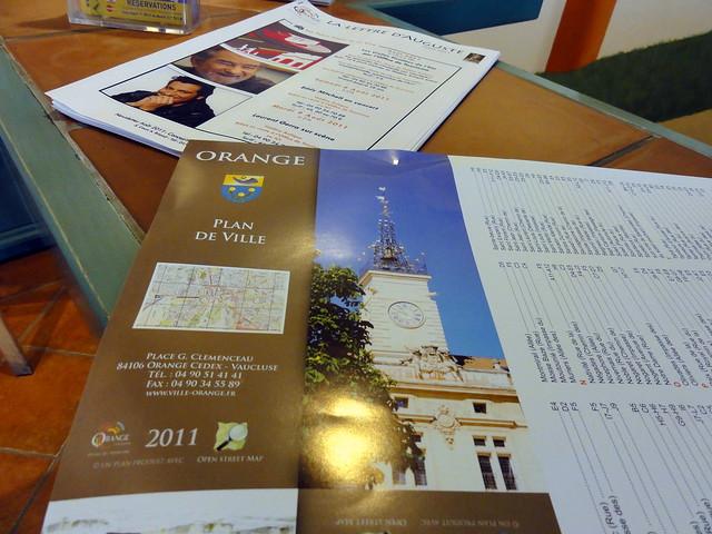 Office de tourisme distribution du plan de ville d 39 orange openstreetmap flickr photo - Orange office de tourisme ...