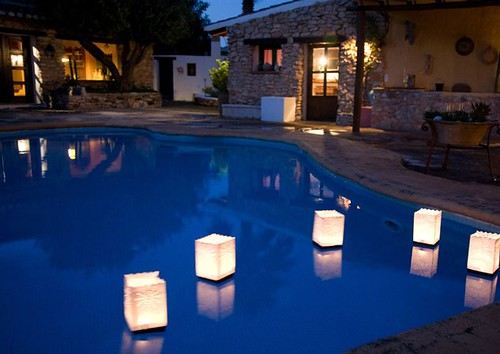 Floating Pool Lights Create A Unique Lighting Experience In Your Pool Arquigrafico Net