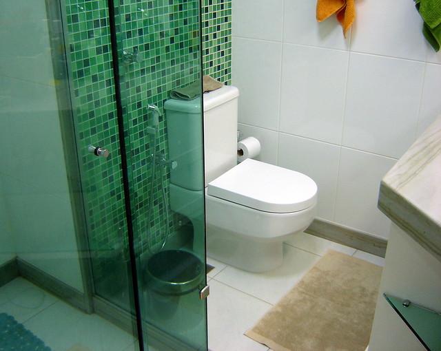 Detalhe banheiro com pastilha de vidro  Flickr  Photo Sharing! -> Banheiro Cm Pastilha De Vidro