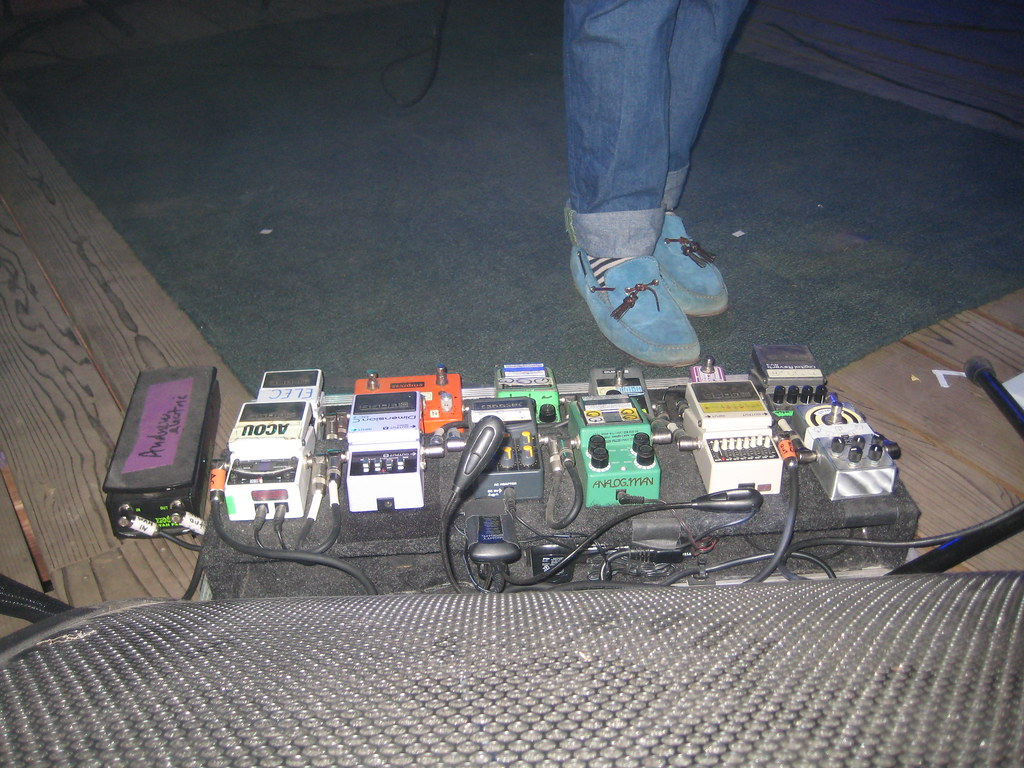 Andrew VanWyngarden's Sound Board | kellyy1234 | Flickrflickr-free-ic3d pan white