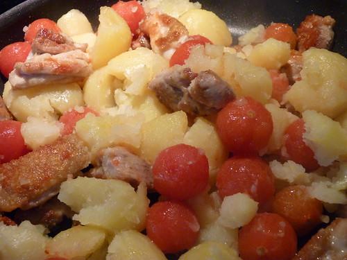 poulet aux pommes de terre et tomates cerises 03