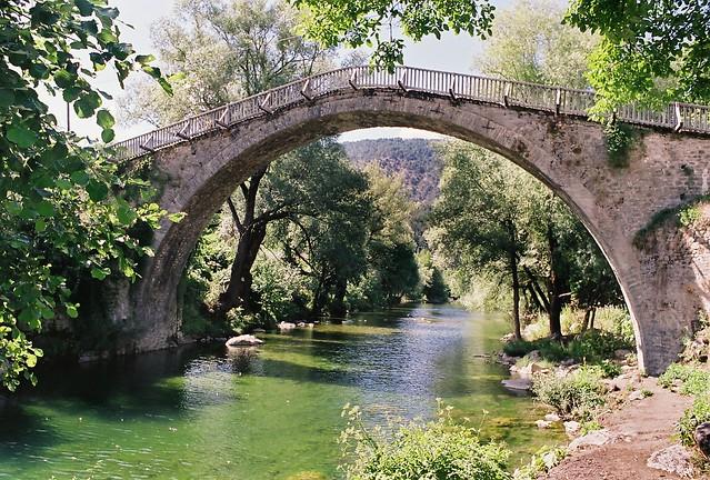 The stone bridge of Vovousa